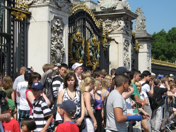 Gedränge am Buckingham Palace