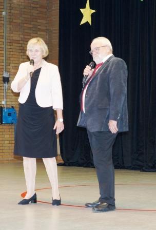 Frau Pilgenröther und Herr Gohmert führen durch den Abend